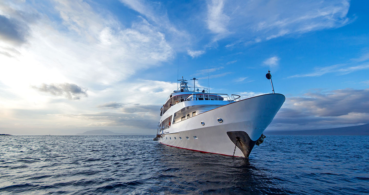 luxury charter galapagos passion